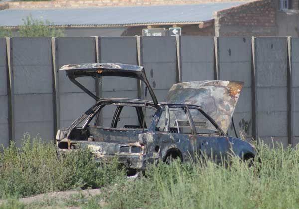 Auto de dirigente sindical dañado por un incendio