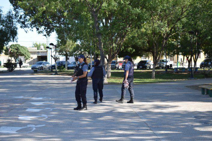 El día después del hecho la policía hizo pericias en la plaza donde ocurrieron los hechos