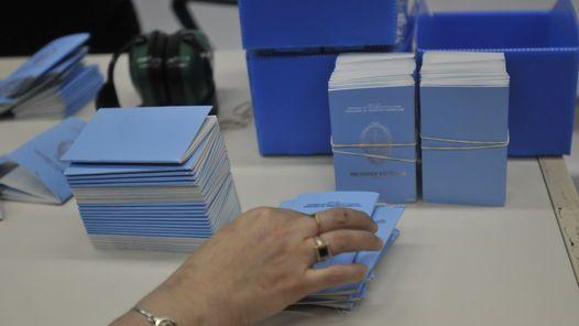En Oro madrugan para obtener un número en el Registro Civil
