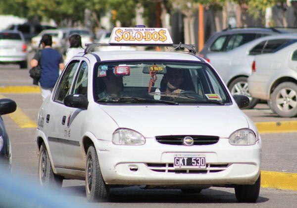 Propietarios de taxis vuelven a exigir aumento en las tarifas