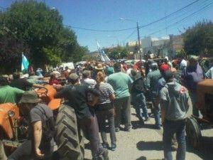 Protesta de productores de Allen y Regina