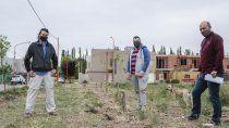 vecinos transforman un baldio en una plaza