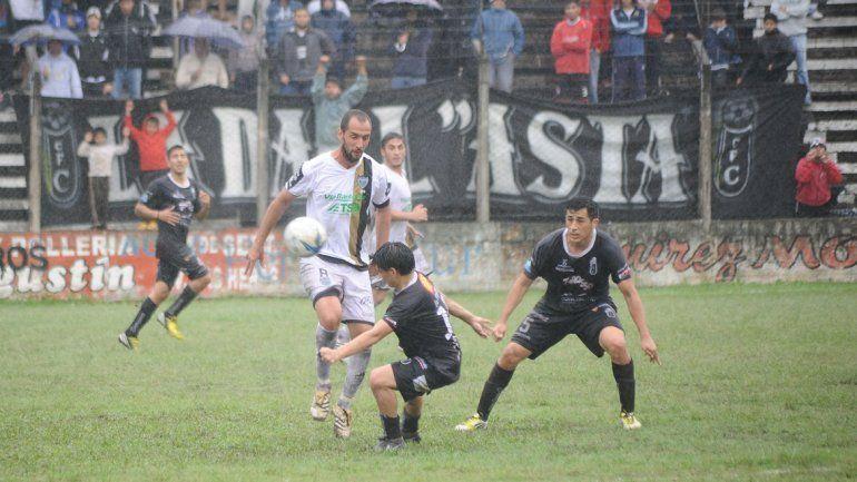 Negri jugó el primer tiempo de 8 en un Cipo que se trajo de Tucumán la tercera victoria como visitante de todo el campeonato.