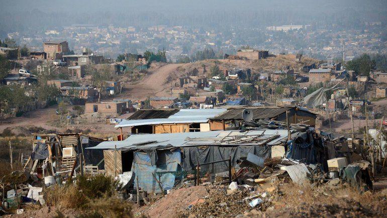 Polémica por subsidios para quienes ocupan tierras