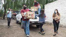 feriame point dono alimentos a un comedor cipoleno
