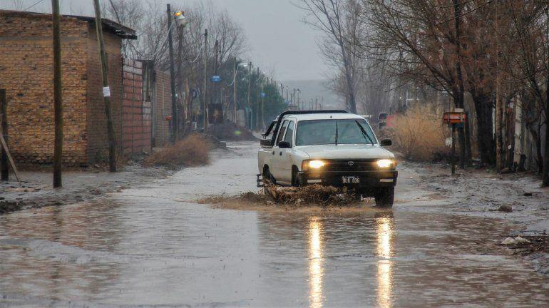 Más evacuados y numerosas asistencias por la lluvia
