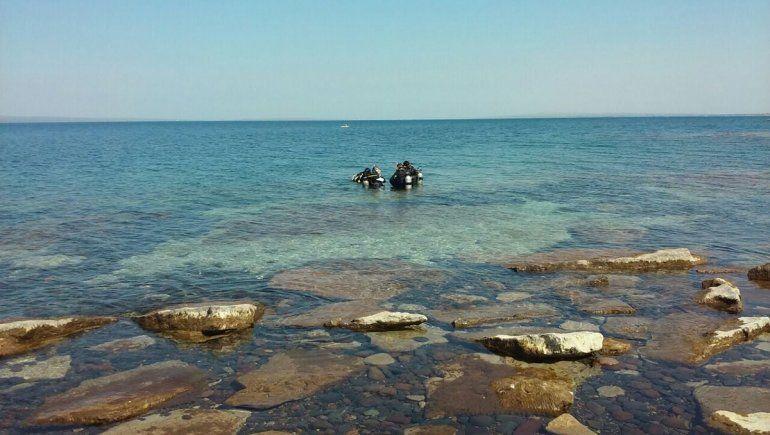 Lago Mari Menuco: estuvo a punto de morir ahogado, pero su hijo lo salvó