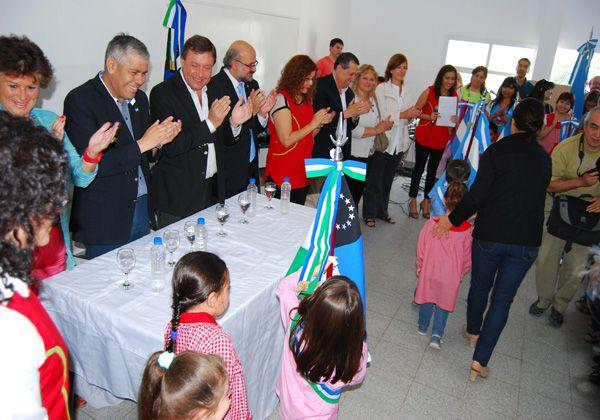 Weretilneck inauguró un nuevo Jardín de Infantes en Roca