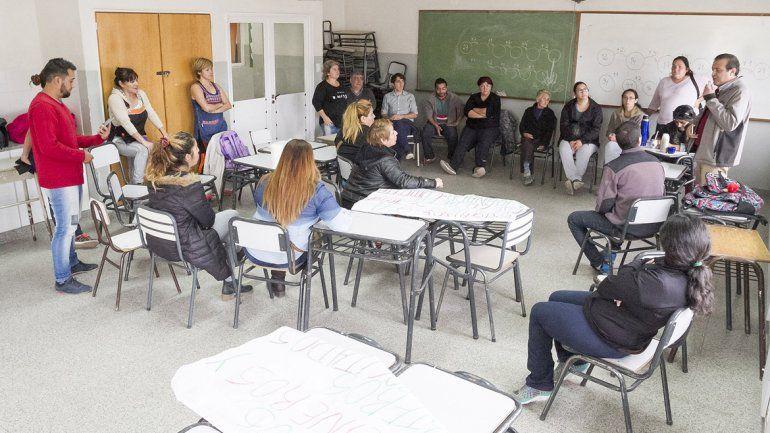 La falta de porteros generó inconvenientes en la primaria 366