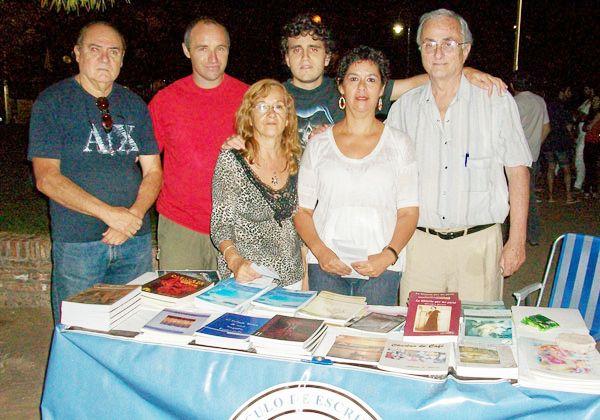 Exposición de literatura local