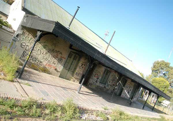 Un lamentable abandono de la estación de trenes