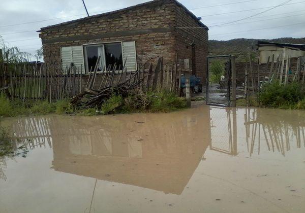 En Oro la lluvia complicó a muchos vecinos