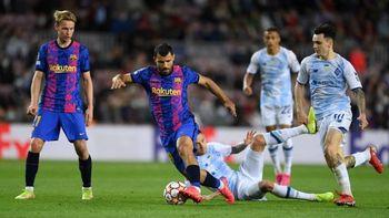 El Kun Agüero ingresó mientras los hinchas del Barcelona pedían a Messi