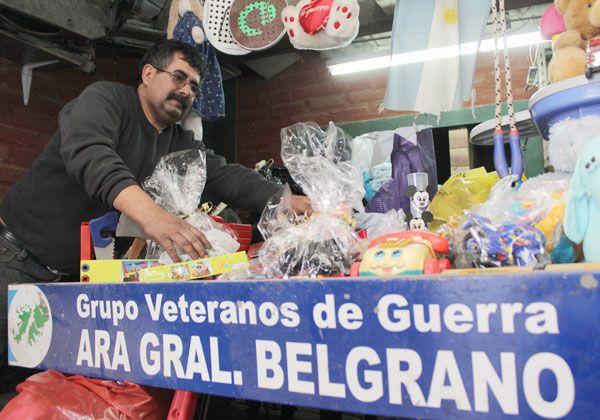 Ex combatientes juntan donaciones para la Línea Sur