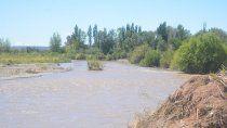 milagroso rescate de dos ninos en el rio colorado