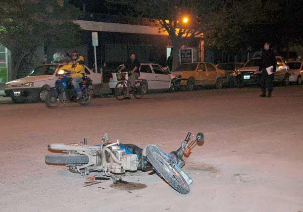 Tres heridos tras choque con bicicleta