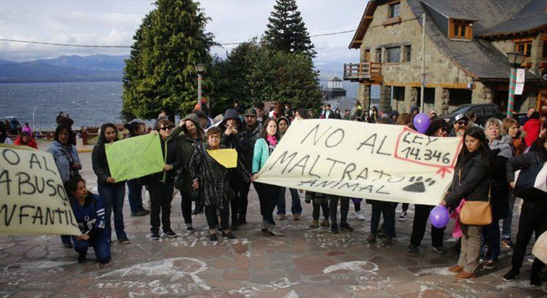 Radicaron una denuncia en fiscalía contra el violador de perros de Bariloche