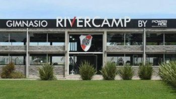 Polémica y memes por el River Camp, a punto de ser aprobado para el torneo