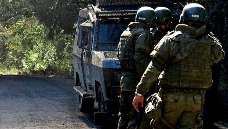 Chile: atacan a tiros a policías y a trabajadores
