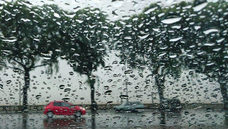 Alerta por un ciclón extra tropical que golpea a Buenos Aires