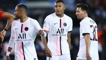 El PSG de Messi, Neymar y Mbappé desilusionó y las redes se llenaron de memes