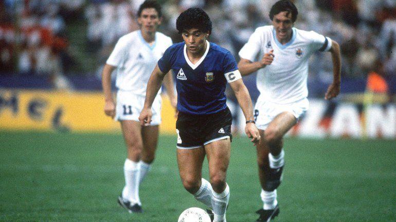 Maradona encara