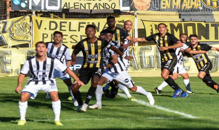 Cipo y un debut a lo grande: goleó a Olimpo en Bahía e ilusiona