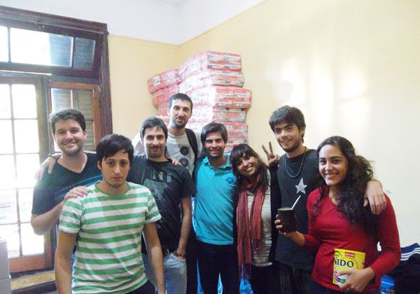 Alumnos rionegrinos solidarios en La Plata