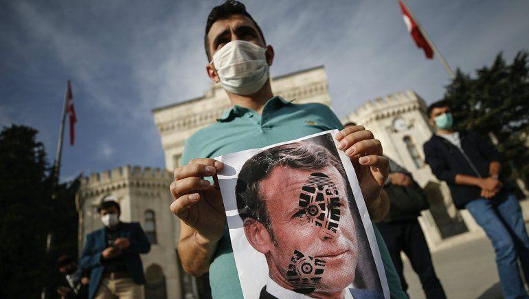 El presidente turco pidió boicotear los artículos franceses