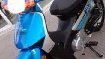 Le robaron la moto de la puerta de la Comisaría