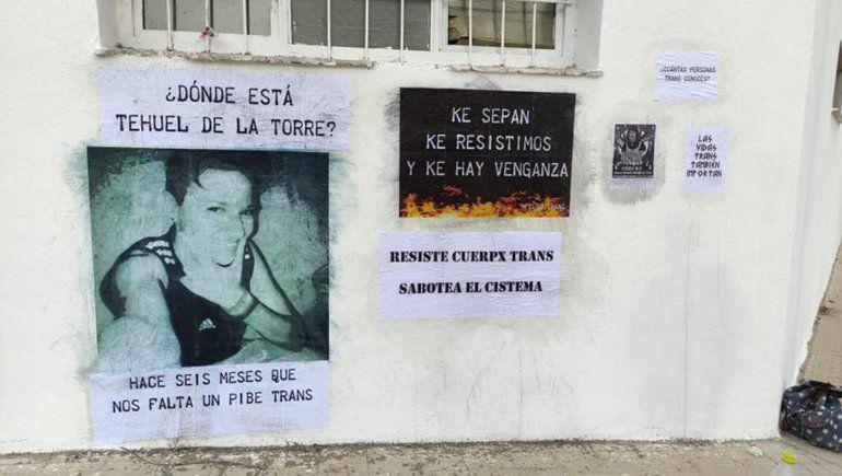 Detuvieron a jóvenes que pegaban carteles por la desaparición de Tehuel