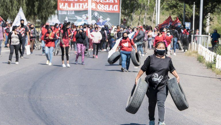 Organizaciones sociales marchan a los puentes carreteros