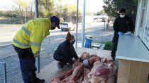 llevaba mas de 400 kilos de carne ilegal e intento darse a la fuga