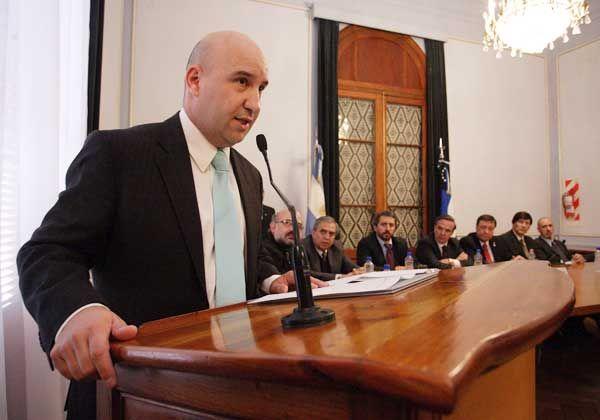 Con jefe civil, Weretilneck pidió respaldo a la Policía