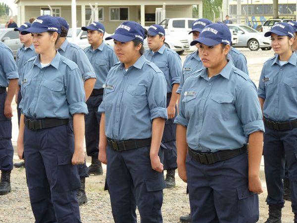 Móvil y ocho policías para Fernández Oro