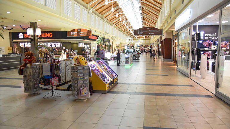Un shopping neuquino negó el acceso a dos nenes por considerarlos trapitos