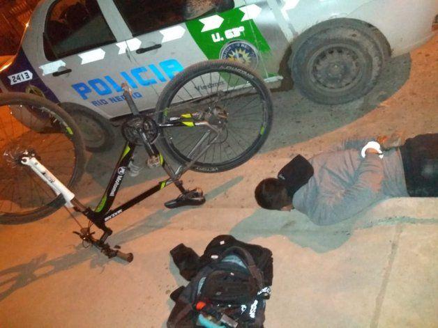 Delincuente detenido tras robo a mano armada a adolescente.