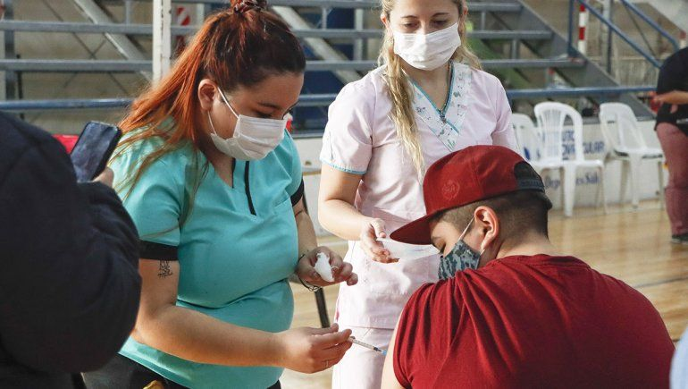 Río Negro recibe 25 mil dosis de la vacuna Moderna