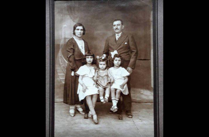 Ramón Chao, doña Paz y tres de sus hijas.