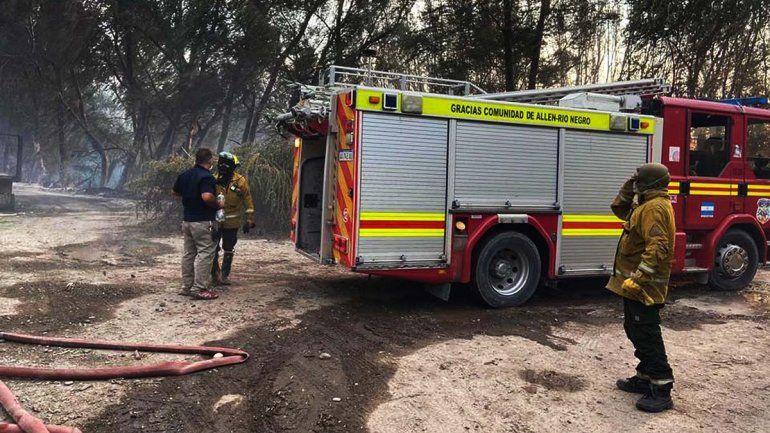 Impresionante incendio consumió 43 hectáreas en Allen