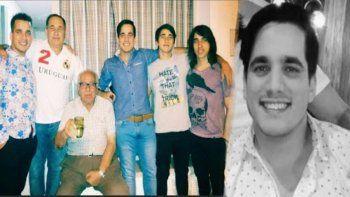 El ex jugador (con el 2 en su remera blanca) su papá sentado y Santi de camisa celeste y aparte la imagen de su rostro.