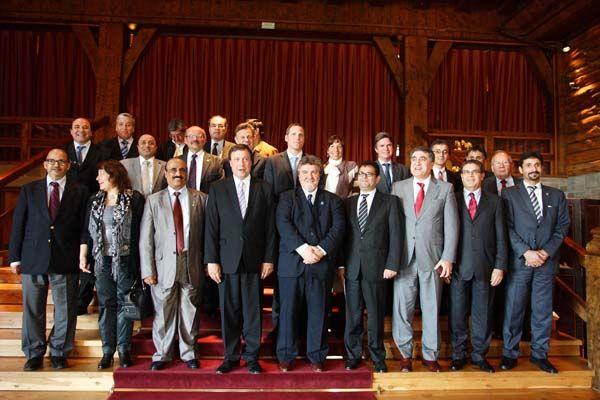 Misión Medio Oriente en Bariloche, recibida por el Gobernador