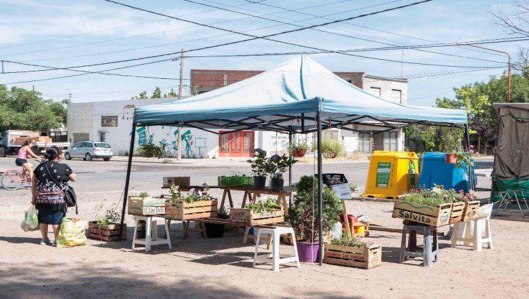 La feria del Don Bosco se muda a la plaza de las 1200 Viviendas