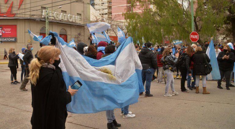 Así se vivió el banderazo del #9J en Cipolletti