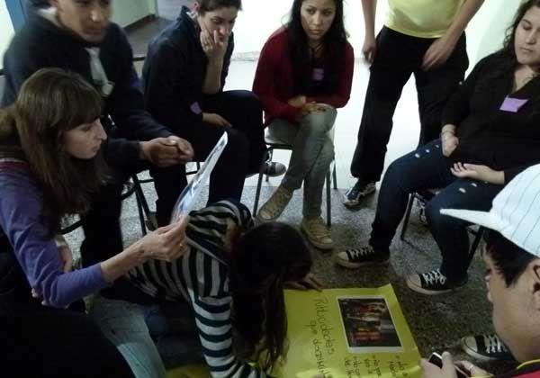 Alumnos del CEM 121 promueven noviazgos sin violencia