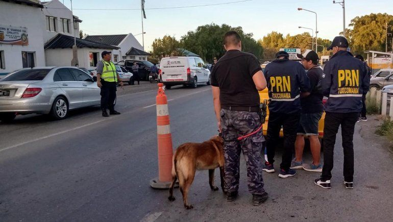Atraparon a taxista con un ladrillo de marihuana y cocaína