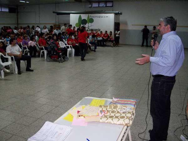 González participó del cierre de talleres comunitarios