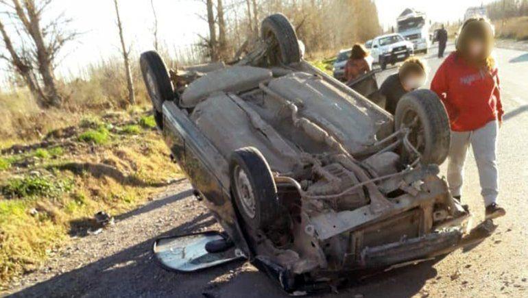Perdió el control del auto y volcó sobre la Ruta 65
