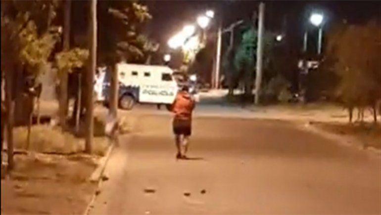 Violencia en Neuquén: incendio, tiros y gases lacrimógenos
