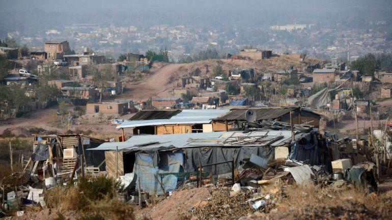 Aumentó la pobreza en Argentina y alcanzó el 42 por ciento